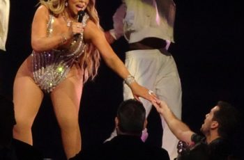 Mariah Carey sofre com efeito sanfona e peso atual é de 119kg
