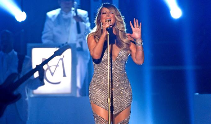 Mariah Carey cantando ao vivo